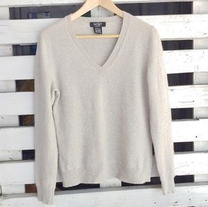 Lord & Taylor. Cashmere soft sweater.
